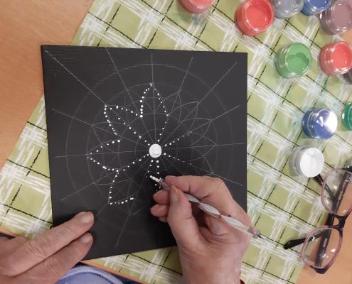 Kreativní dílnička na DRO – tečkované mandaly