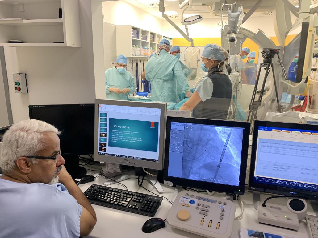 Invazivní a intervenční kardiologie ve FNUSA slaví 25 let